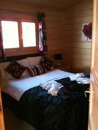 Dacre Lakeside Park: bedroom