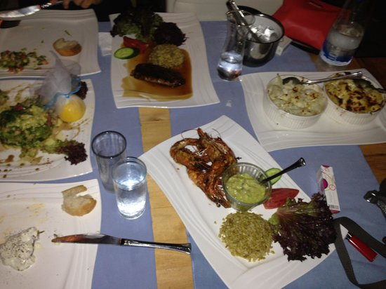 Sultan Garden Restaurant : Salmon salad big shrimps and duck
