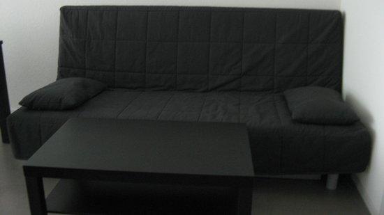 Allmend Apartments: Sofa