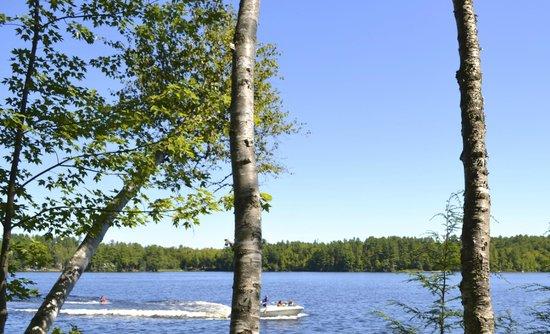 Wilson Lake Inn: Wilson Lake