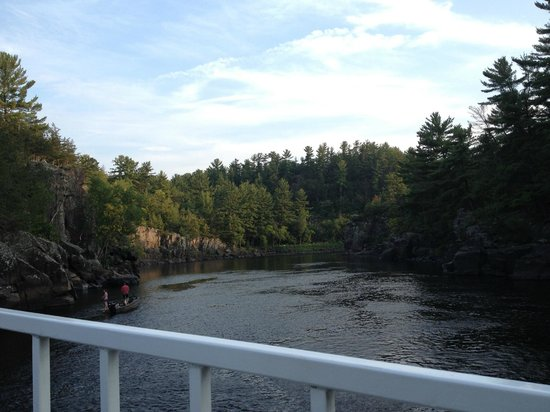 Taylors Falls Scenic Boat Tours: Absolutely beautiful!