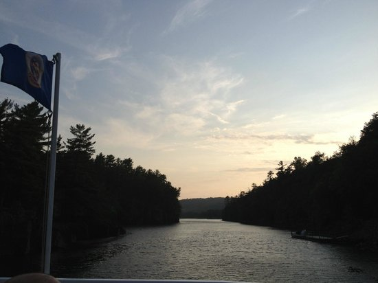 Taylors Falls Scenic Boat Tours: MN state flag proudly displayed