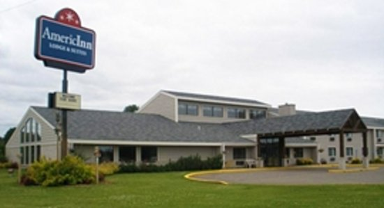 AmericInn Lodge & Suites Park Rapids : Exterior