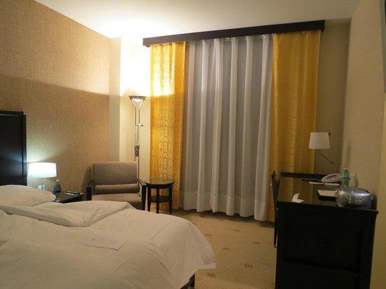 Hotel St. Gotthard: quarto