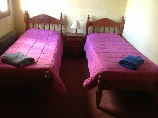 Universal Traveller's Lodge Hostel: Quarto Twin
