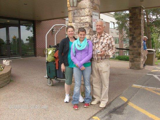 Sherbrooke Village Inn: Kathy, Gabriela, Sal