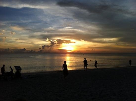 The Cottages at Naples Bay Resort : sunset at naples beach