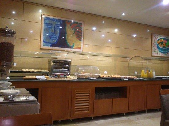 NH Sport: Buffet desayuno