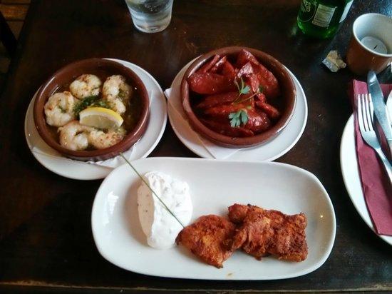 Cafe Andaluz City Centre : Gambas Pil Pil, Chorizo al Vino, Pollo Marinado, delicious!
