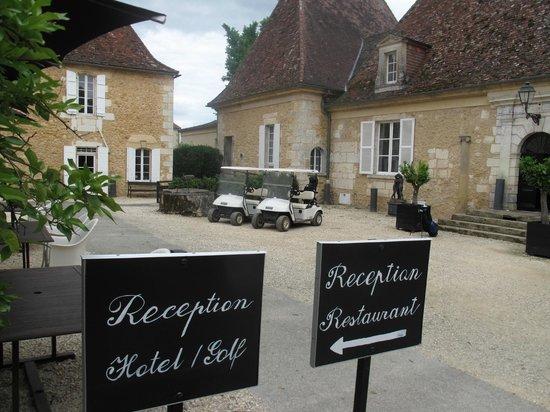 Chateau les Merles : Een echt chateau met binnenplaats