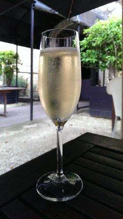 Chateau les Merles: Ontvangst met champagne