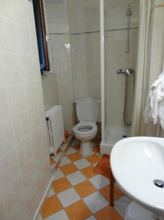 Hotel des Chazes : salle de bain