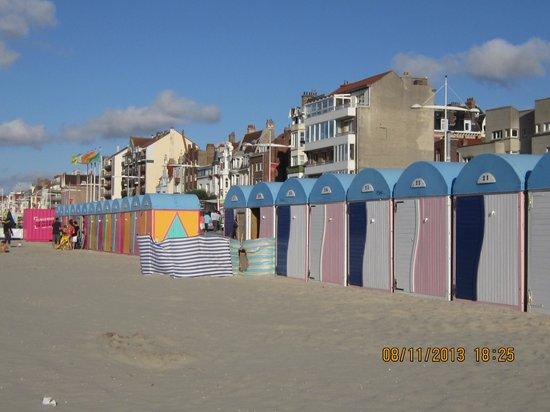 Le Transat Bleu: the beach huts