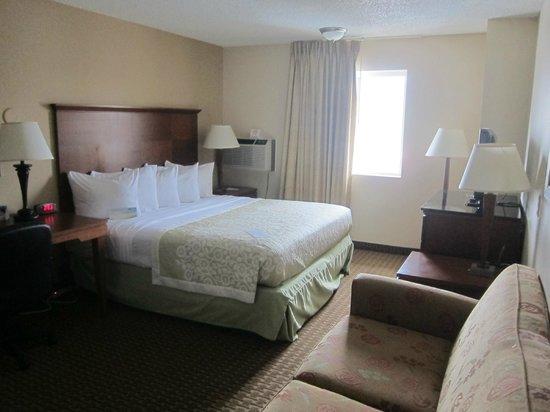 Days Inn & Suites Gunnison: Room