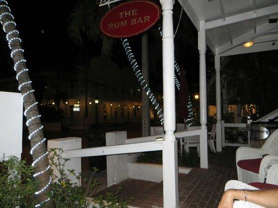 Speakeasy Inn and Rum Bar: Outside the Rum Bar
