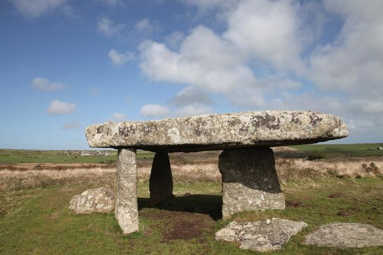 Western Discoveries Day Tours: Lanyon Quoit