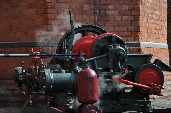 Claymills Victorian Pumping Station: Have a go on this