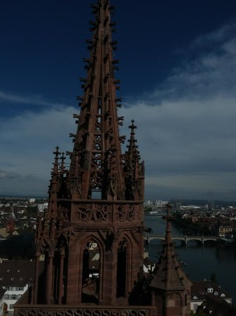 Hotel Spalentor Basel: Munster Cathedral, we climbed to the very top, View amazing