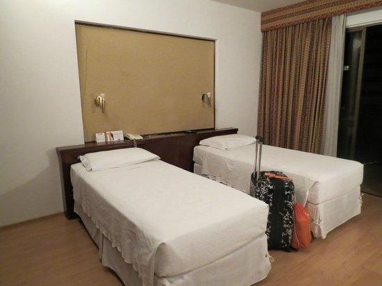 Bittar Plaza Hotel: quarto