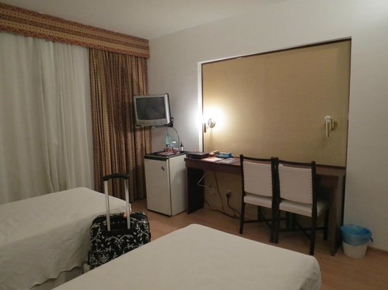 Bittar Plaza Hotel : quarto