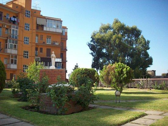 Villa Mater: il giardinetto