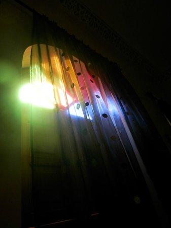 Riad Granvilier: Los colores en la habitación