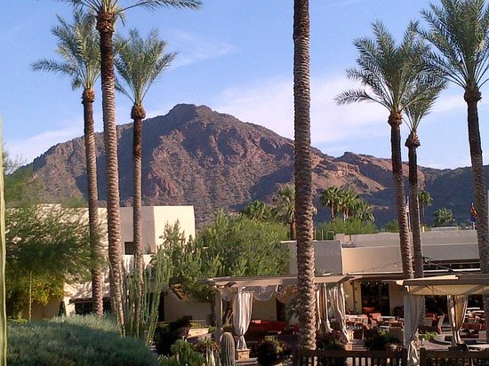 Scottsdale Camelback Resort : Outdoor dining area
