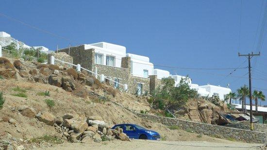 Paradise Beach Resort and Camping: Vista della camere dalla spiaggia di Paradise