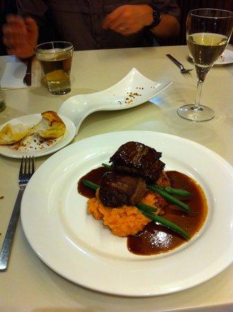 Mercure Alice Springs Resort: dinner