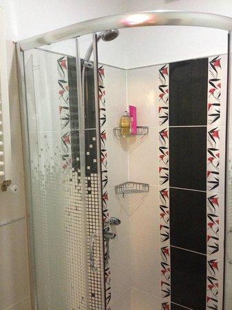 Violet Suite: Salle de bain marti apptm