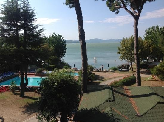 Hotel Kursaal Umbria: view from our balcony out to the lake