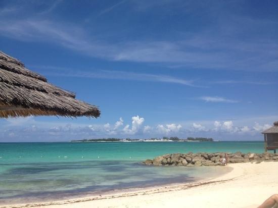 Sandals Royal Bahamian Spa Resort & Offshore Island: Island beach