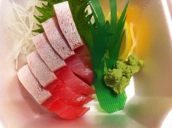 Sushi Mon : Hamachi sashimi