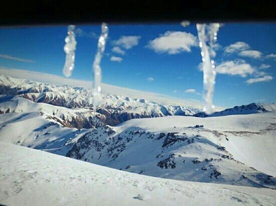 Mt Hutt Ski Area: at the top of summit six