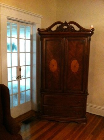 Southern Elegance Bed and Breakfast: Armoire (contains t.v.)