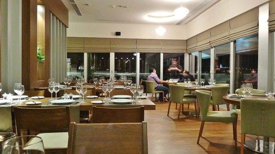Ramada Podgorica: Dinning