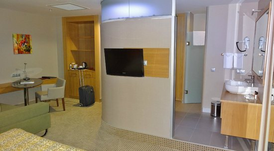 Ramada Podgorica: Inside of the room