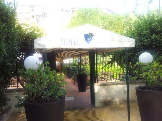 Casena dei Colli : L'ingresso dell'Hotel