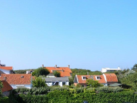 Hotel Bommelje: Blick vom Balkon auf die Dünen