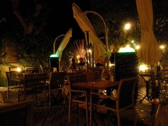 Chez Félicien : la terrasse un soir d'août 2013