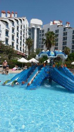 Green Max : Детский бассейн и отель