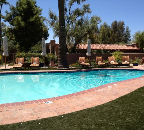 Hermosa Inn: pool side