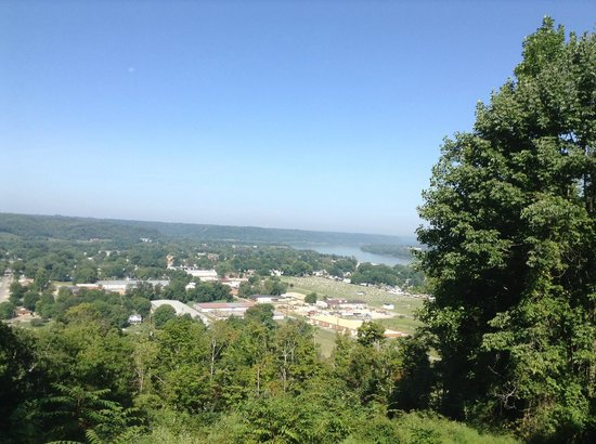 General Butler State Resort : View of Carrollton from lodge