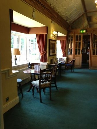 The Victoria Hotel: part of the lounge come reception