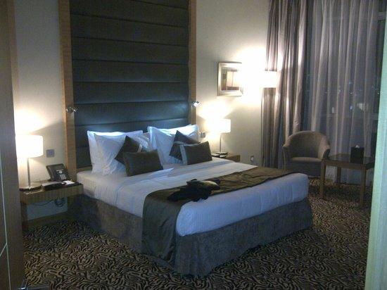 Copthorne Hotel Sharjah: Bedroom