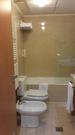 Hotel II Castillas: Ванна