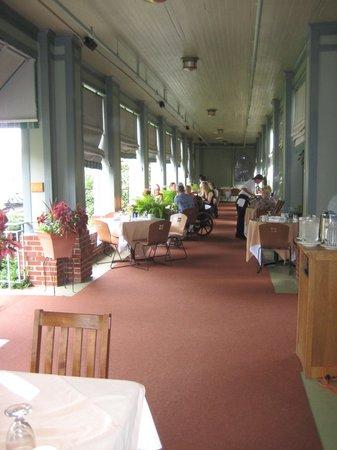 Roycroft Inn: The verandah.