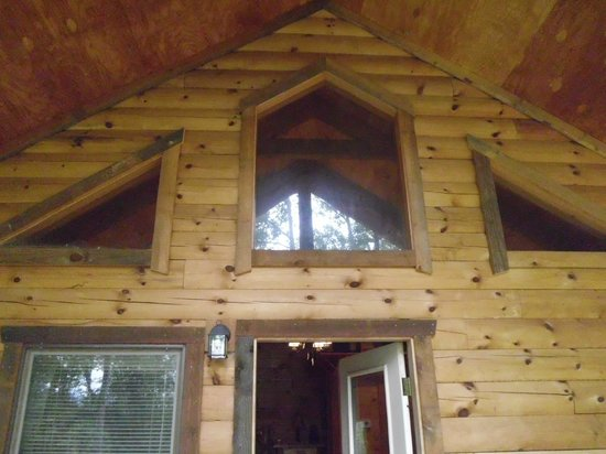 Lydia Mountain Cabins: porch pic 3
