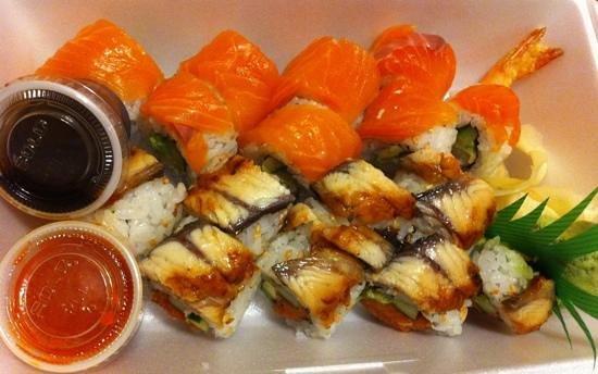 Sushi Mon: Supreme salmon & Red dragon rolls