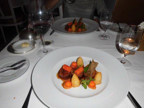 Hotel Quinta das Lagrimas: prato servido no restaurante
